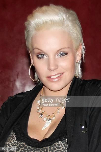 Gina-Lisa Lohfink , Porträt, geb.: 18. Juni 1986, Sternzeichen: Zwilling, Deutschland, Europa, Dekollete, Kurz-Haar-Frisur, Blond, Kette, Model,...