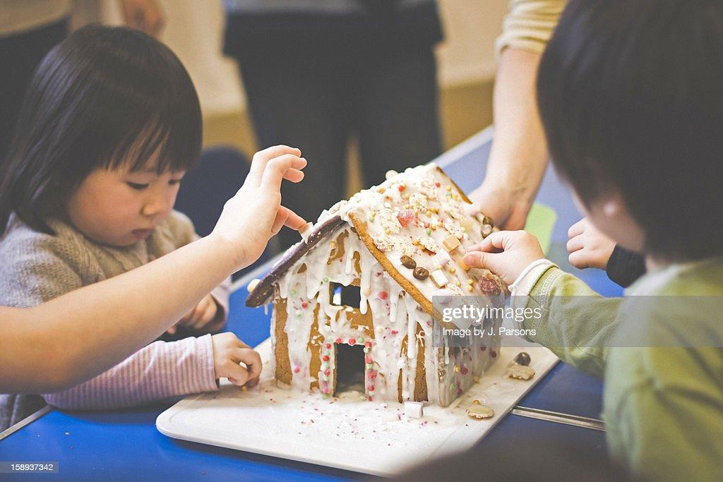 ginger bread house : Bildbanksbilder