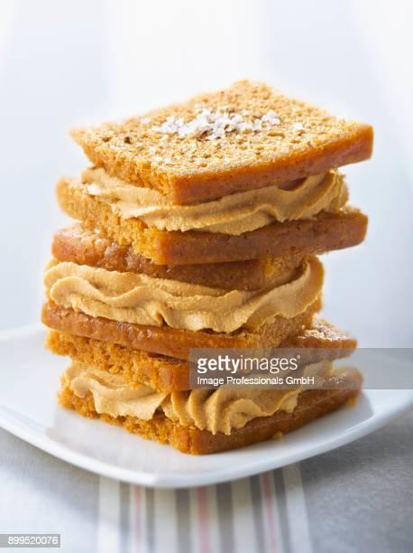 gingerbread and foie gras cream whoopies - foie gras photos et images de collection