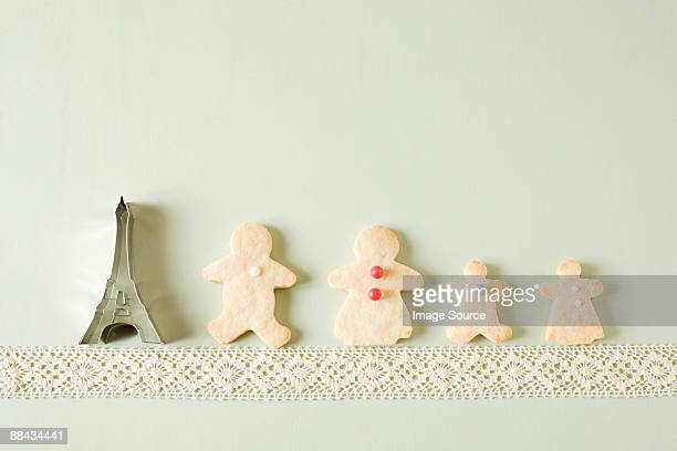 Gingerbread family and eiffel tower cookie cutter