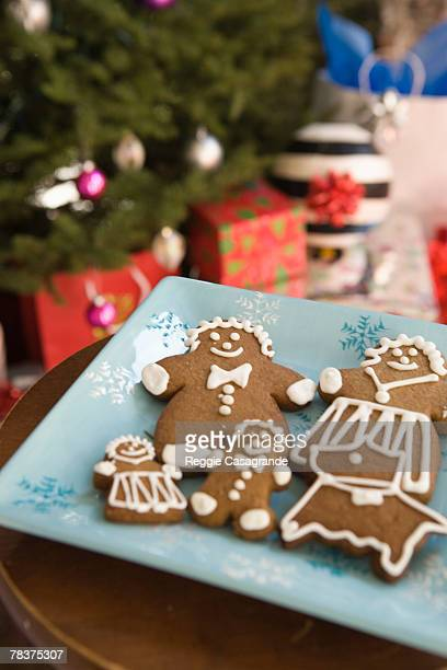 gingerbread family - human representation stock pictures, royalty-free photos & images