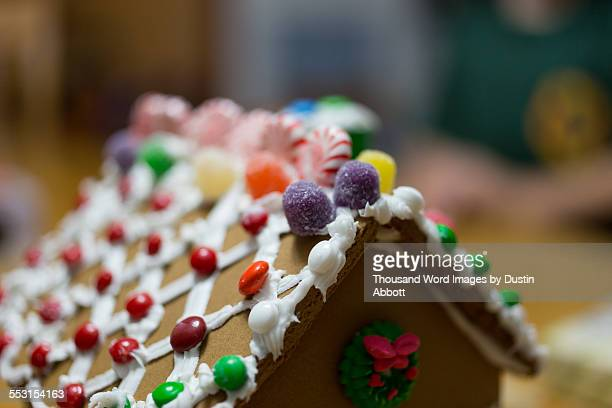 gingerbread house roof - dustin abbott 個照片及圖片檔