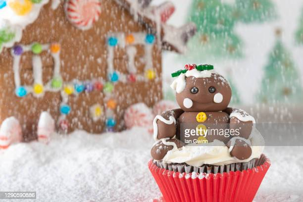 gingerbread man cupcake - ian gwinn stock pictures, royalty-free photos & images