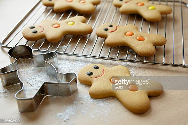 Gingerbread men and cookie cutter