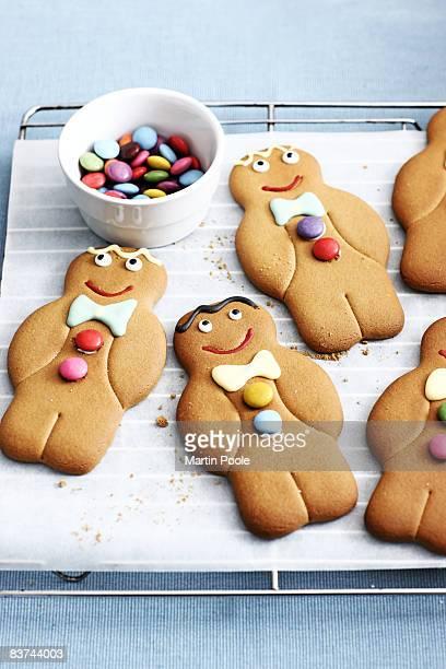 gingerbread men on baking tray