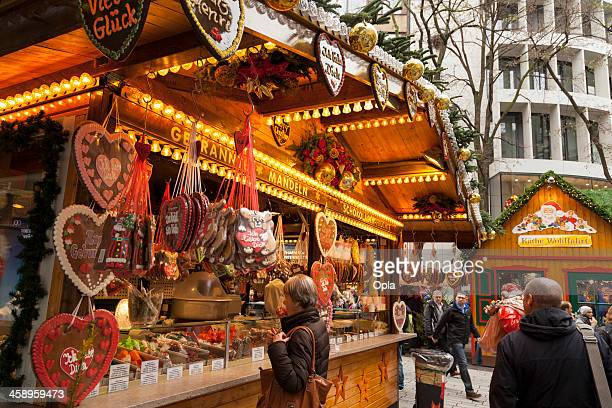 gingerbread stand - düsseldorf stock pictures, royalty-free photos & images