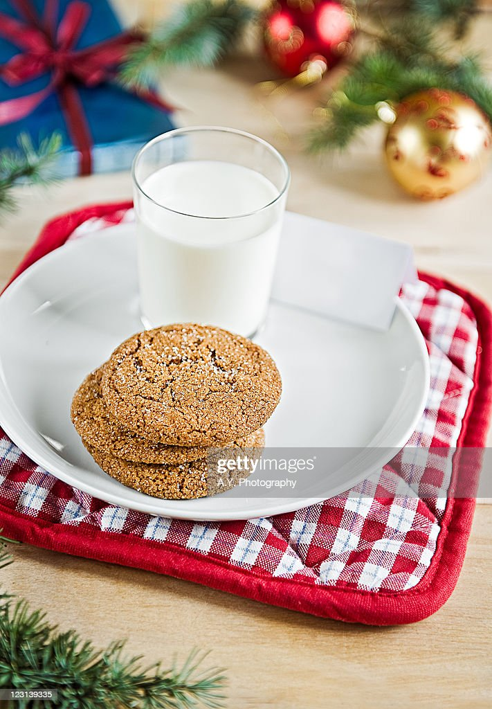 Gingersnaps and milk : Stock Photo