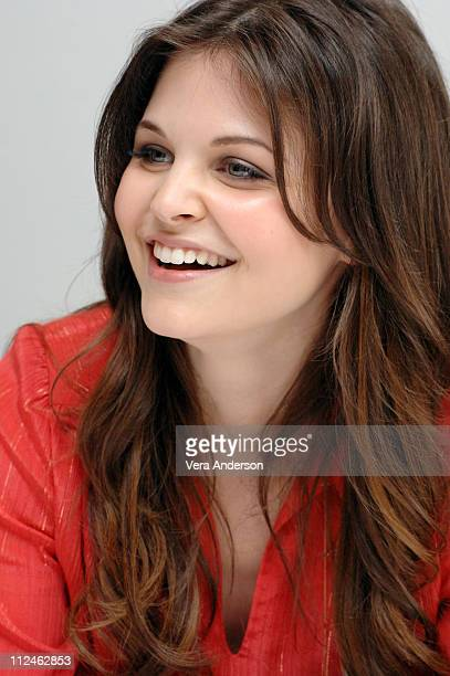 Ginnifer Goodwin during 'Big Love' Press Conference with Bill Paxton Jeanne Tripplehorn Chloe Sevigny and Ginnifer Goodwin at Four Seasons in Beverly...