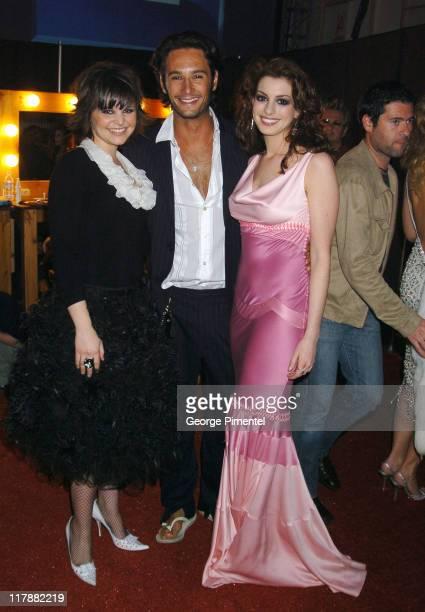 Ginnifer Goodwin Rodrigo Santoro and Anne Hathaway in the Tanquerey Ten Lounge
