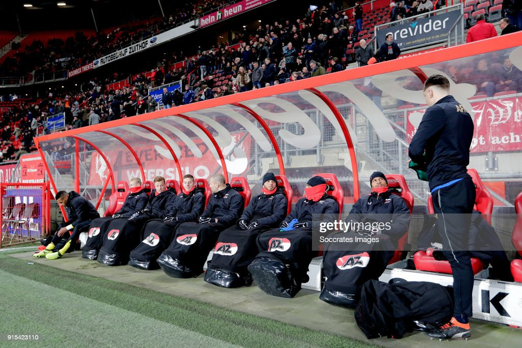 Gino Coutinho of AZ Alkmaar, Ondrej Mihalik of AZ Alkmaar, Ferdy Druijf of AZ Alkmaar, Mees Hoedemakers of AZ Alkmaar, Ron Vlaar of AZ Alkmaar, Illiass Bel Hassani of AZ Alkmaar, Owen Wijndal of AZ Alkmaar, Ricardo van Rhijn of AZ Alkmaar, Mats Seuntjens of AZ Alkmaar during the Dutch Eredivisie match between Fc Twente v AZ Alkmaar at the De Grolsch Veste on February 7, 2018 in Enschede Netherlands