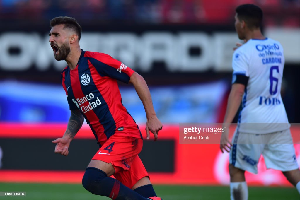 San Lorenzo v Godoy Cruz - Superliga Argentina 2019/20 : News Photo