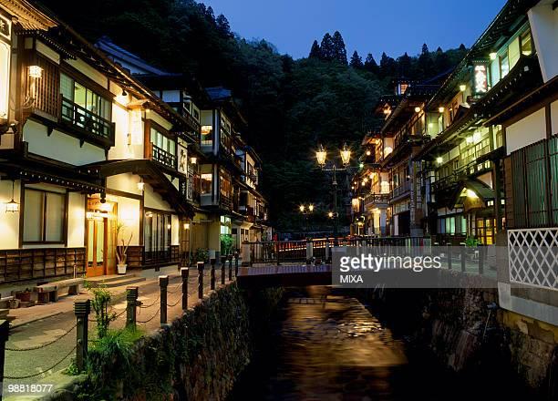 ginzan onsen, obanazawa, yamagata, japan - 山形県 ストックフォトと画像