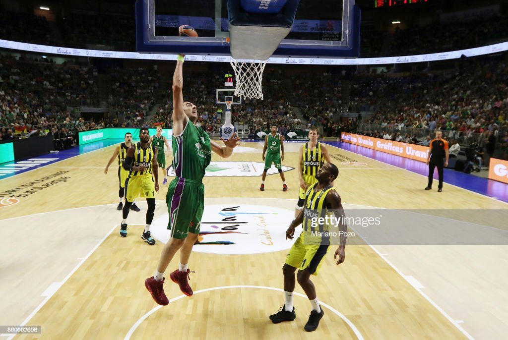 Giorgi Shermadini, #17 of Unicaja Malaga in action during the 2017/2018 Turkish Airlines EuroLeague Regular Season Round 1 game between Unicaja Malaga v Fenerbahce Dogus Istanbul at Martin Carpena Arena on October 12, 2017 in Malaga, Spain.
