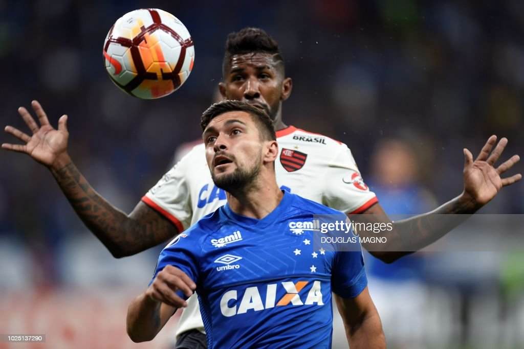 FBL-LIBERTADORES-CRUZEIRO-FLAMENGO : News Photo