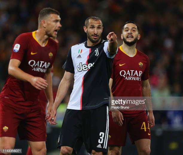 Giorgio Chiellini of Juventus gestures during the Serie A match between AS Roma and Juventus at Stadio Olimpico on May 12 2019 in Rome Italy