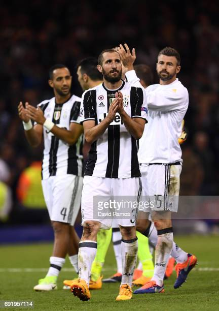 Giorgio Chiellini of Juventus shows appreciation to the fans after the UEFA Champions League Final between Juventus and Real Madrid at National...