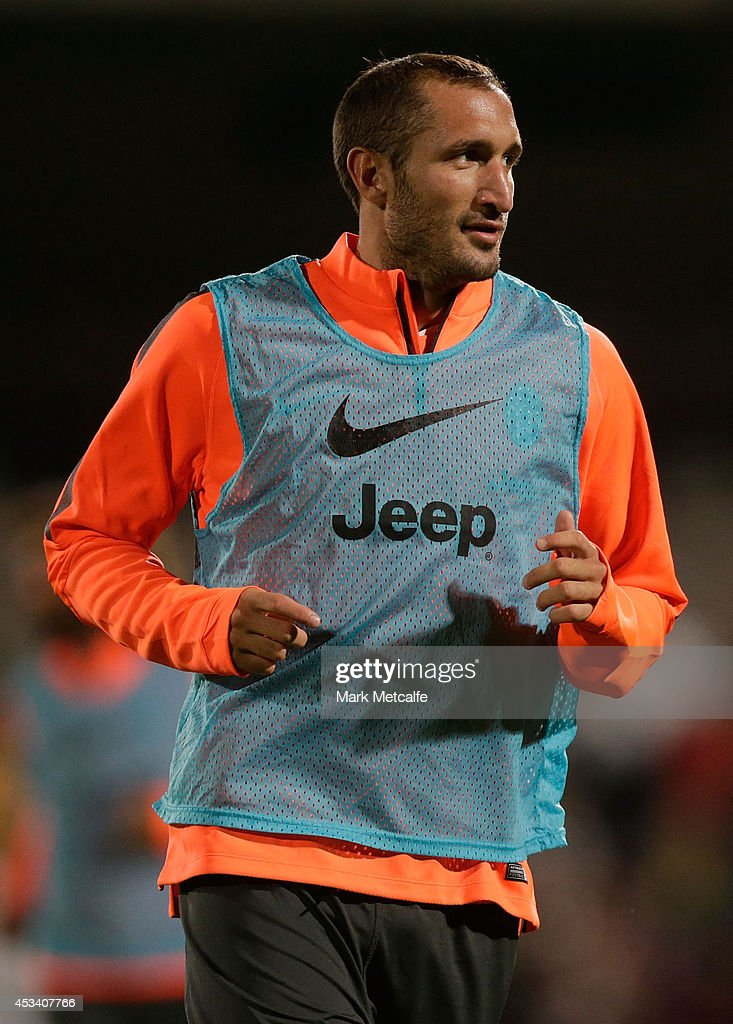 Giorgio Chiellini warms up during a Juventus training session at WIN Jubilee Stadium on August 9, 2014 in Sydney, Australia.