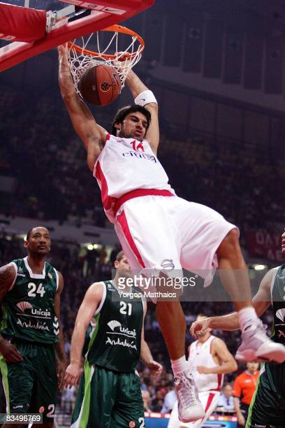 Giorgos Printezis #16 of Olympiacos in action during the Euroleague Basketball Game 2 match between Olympiacos Piraeus and Unicaja at the Peace...