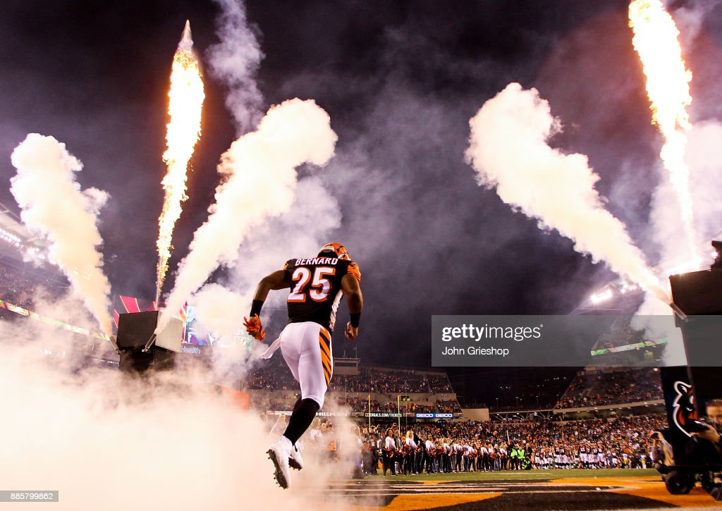 Giovani Bernard #25 of the Cincinnati Bengals takes the field prior to the game against the Pittsburgh Steelers at Paul Brown Stadium on December 4, 2017 in Cincinnati, Ohio.