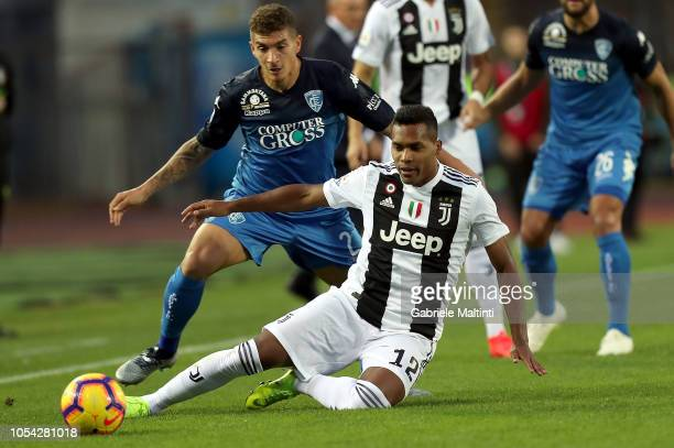 Giovani Di Lorenzo of Empoli Fc in actionagainst Alex Sandro of Juventus during the Serie A match between Empoli and Juventus at Stadio Carlo...