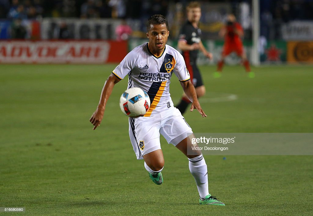 Giovani dos Santos #10 of the Los Angeles Galaxy looks to play the ball during the MLS match against D.C. United at StubHub Center on March 6, 2016 in Carson, California. The Galaxy defeated United 4-1.