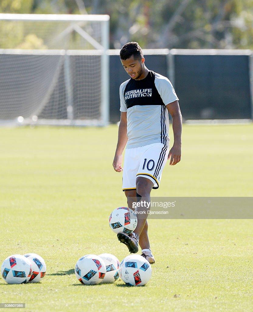 Giovani dos Santos #10 of the Los Angeles Galaxy trains at StubHub Center February 5, 2016, in Carson, California.