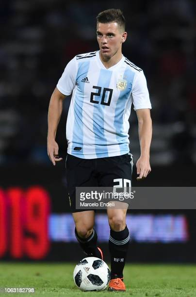 Giovani Lo Celso of Argentina drives the ball during a friendly match between Argentina and Mexico at Mario Kempes Stadium on November 16 2018 in...