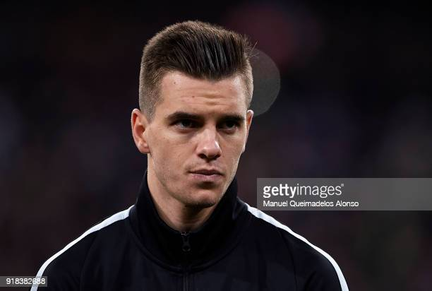 Giovani Lo Celso of Paris SaintGermain looks on prior to the UEFA Champions League Round of 16 First Leg match between Real Madrid and Paris...