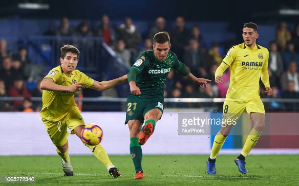 Giovani Lo Celso of Real Betis scores a goal during the La Liga match between Villarreal CF and Real Betis at La Ceramica Stadium on November 25 2018...