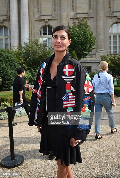 Giovanna Battaglia arrives at Gianbattista Valli during Paris Fashion Week, Womenswear SS 2015 on September 29, 2014 in Paris, France.