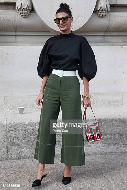 Giovanna Battaglia arrives at the Maison Margiela show as part of the Paris Fashion Week Womenswear Spring/Summer 2017 on September 28, 2016 in...