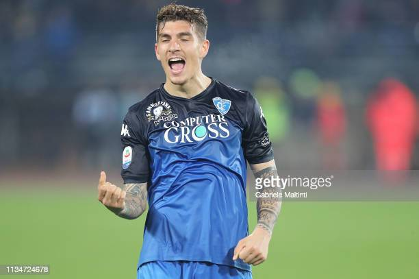 Giovanni Di Lorenzo of Empoli FC celebrates the victory after the Serie A match between Empoli and SSC Napoli at Stadio Carlo Castellani on April 3...