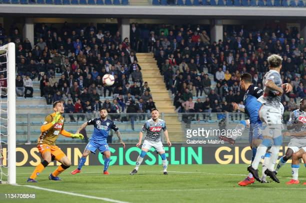 Giovanni Di Lorenzo of Empoli FC scores a goal during the Serie A match between Empoli and SSC Napoli at Stadio Carlo Castellani on April 3 2019 in...