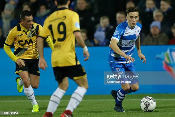Giovanni Korte of NAC Breda Ryan Thomas of PEC Zwolle during the Dutch Eredivisie match between PEC Zwolle v NAC Breda at the MAC3PARK Stadium on...