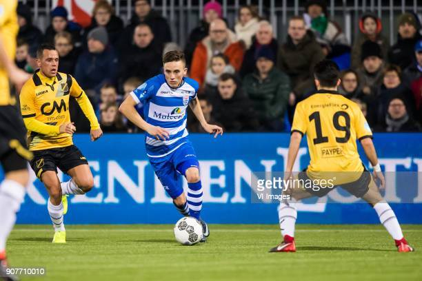 Giovanni Korte of NAC Breda Ryan Thomas of PEC Zwolle Manu Garcia of NAC Breda during the Dutch Eredivisie match between PEC Zwolle and NAC Breda at...