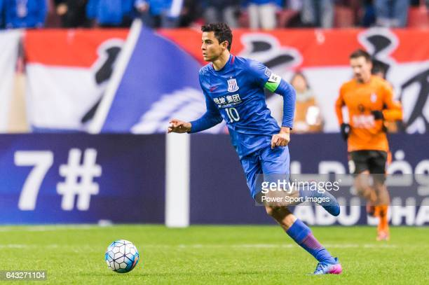 Giovanni Moreno of Shanghai Shenhua FC in action during their AFC Champions League 2017 Playoff Stage match between Shanghai Shenhua FC and Brisbane...