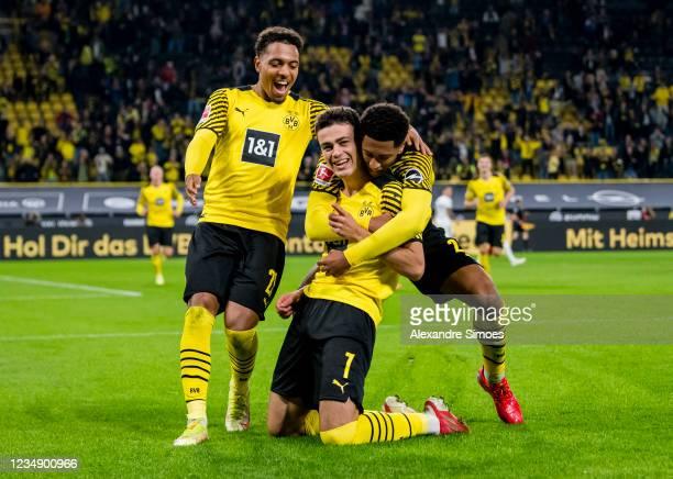 Giovanni Reyna of Borussia Dortmund celebrates scoring his goal during the Bundesliga match between Borussia Dortmund and TSG Hoffenheim at the...