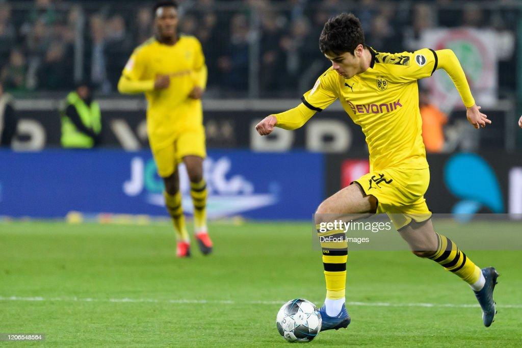 Borussia Moenchengladbach v Borussia Dortmund - Bundesliga : ニュース写真