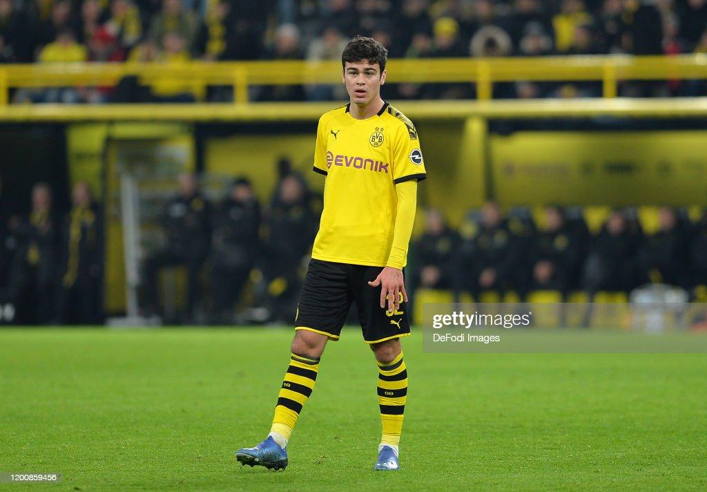 Borussia Dortmund v Eintracht Frankfurt - Bundesliga : Nieuwsfoto's