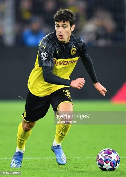 Giovanni Reyna of Dortmund in action during the UEFA Champions League round of 16 first leg match between Borussia Dortmund and Paris SaintGermain at...