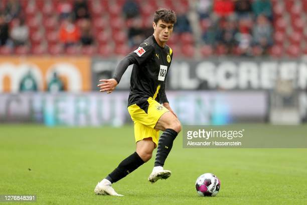 Giovanni Reyna of Dortmund runs with the ball during the Bundesliga match between FC Augsburg and Borussia Dortmund at WWK-Arena on September 26,...