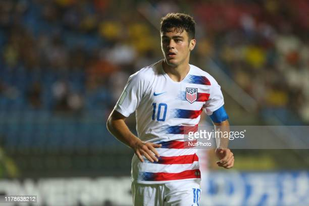 Giovanni Reyna of USA in action during the Group D Match between USA and Senegal in the FIFA U17 World Cup Brazil 2019 at Estadio Kleber Andrade on...