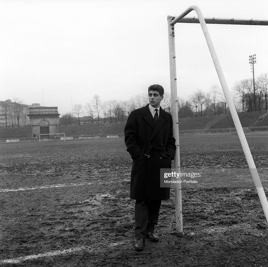 Gianni Rivera On A Desert Football Pitch : News Photo
