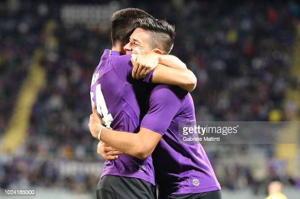 Giovanni Simeone and Marco Benassi of ACF Fiorentina in action during the serie A match between ACF Fiorentina and Chievo Verona at Stadio Artemio...