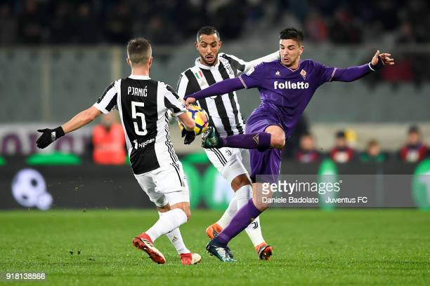 Giovanni Simeone during the serie A match between ACF Fiorentina and Juventus at Stadio Artemio Franchi on February 9 2018 in Florence Italy