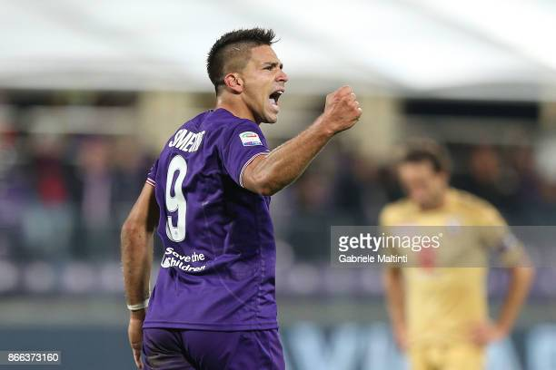 Giovanni Simeone of ACF Fiorentina celebrates after scoring a goal during the Serie A match between ACF Fiorentina and Torino FC at Stadio Artemio...