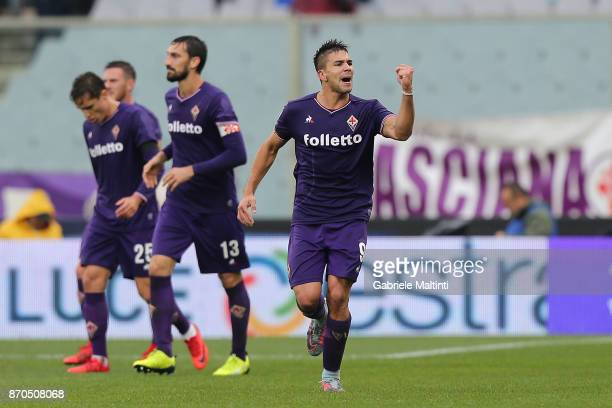 Giovanni Simeone of ACF Fiorentina celebrates after scoring a goal during the Serie A match between ACF Fiorentina and AS Roma at Stadio Artemio...