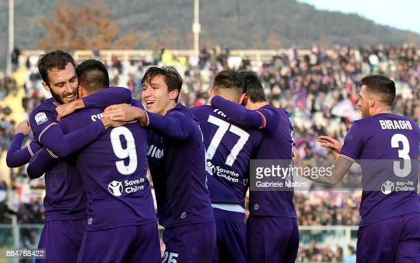 Giovanni Simeone of ACF Fiorentina celebrates after scoring a goal during the Serie A match between ACF Fiorentina and US Sassuolo at Stadio Artemio...