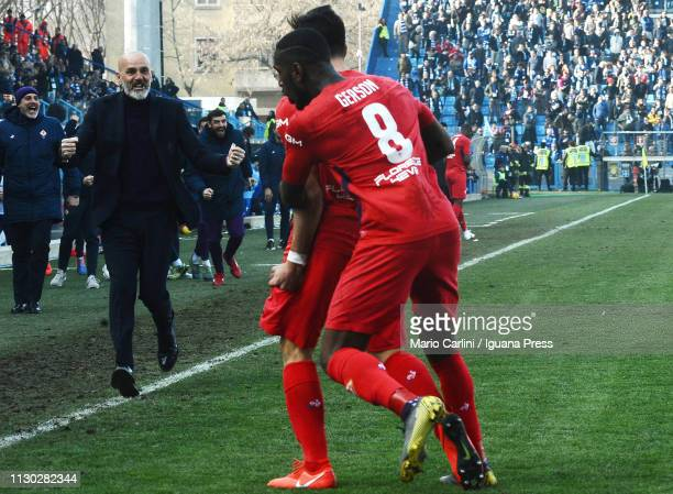Giovanni Simeone of ACF Fiorentina celebrates after scoring his team's third goal during the Serie A match between SPAL and ACF Fiorentina at Stadio...