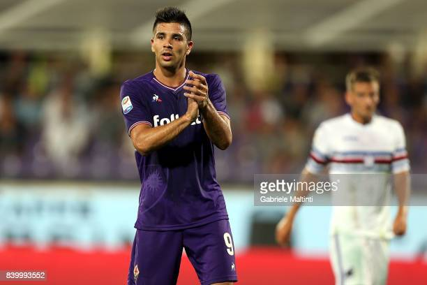 Giovanni Simeone of ACF Fiorentina gestures during the Serie A match between ACF Fiorentina and UC Sampdoria at Stadio Artemio Franchi on August 27...
